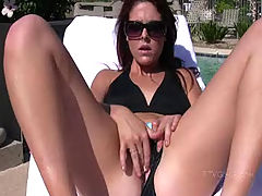 Cadence plays with her wet pussy