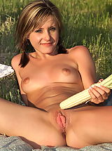 girls mastubating, nadia taylor 01 picnic large laba big vulva