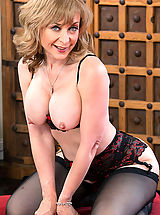Stockings Pussy: Nina Hartley,Seduced By A Momma Hartley, Danny Wylde, Cougar, Floor, Living room, Table, Ass smacking, Ball licking, Big Butt, Blonde, Blow Job, Blue Eyes, Cum in Mouth, Fake Tits, Hand Job, Mature, Medium Fake Boobs, Outie Pussy, Stockings, Swallowing, T