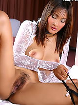 Asian Women jeenna lui 01 negligee vagina spread