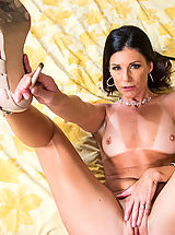 Tan Line Babes: India Summer