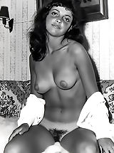 Vintage Pussy: Nylons and Unshaven Pussies Are Gorgeous on the Historic Models with Their Big Natural Breasts in the Bare