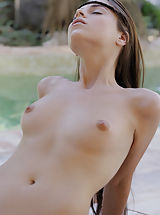Outdoors Pussy: Jessica