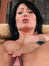 Big Clitoris, Zoey Holloway