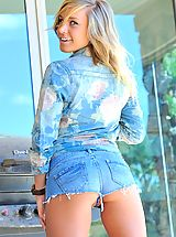 Jeans Babes: Kennedy has adventurous fun