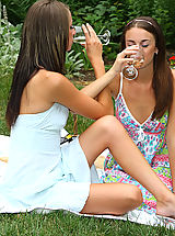 Sexy Parker Sisters Nude Picnic and Play - 12/3/2013