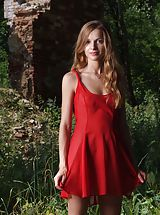Outdoor Babes: Femjoy - Conny in Lady in Red
