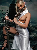 True Beauty Pics: Stunning amazon with swords and without panties