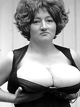 Vintage Babes: Old Fashioned Bitches