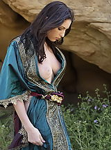 Fantasy Babes: WoW nude carlotta medieval clothing