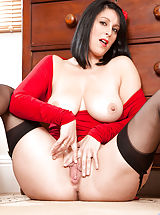 Anilos Pics: Experienced cougar Raven peels off her red dress exposing her big tits and tight milf ass
