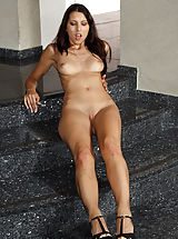 Hot Babes, Look Deep Inside Playful Annes Shaved Pussy - 3/7/2014