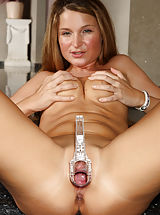 Pussy, Euro Beauty Angel Snow Gaping Pussy with Speculum