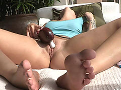 Sexy Babes, Madelyn has strong orgasm outside in the sun