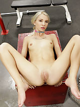 shaved girls, Kenzie Reeves